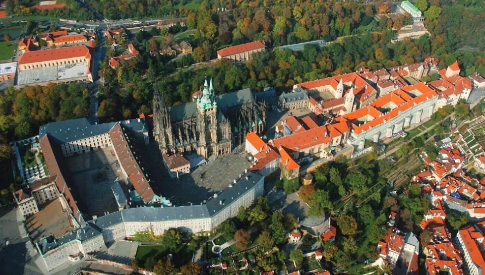 Пражский град — крепость колоссальных размеров