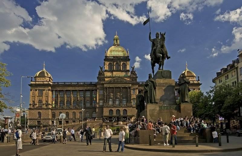 Картинки по запросу фото Вацлавская площадь