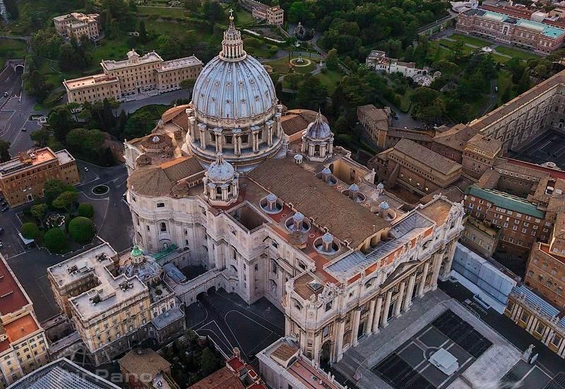 Собор Святого Петра в Ватикане: купол Микеланджело, скульптуры Бернини, могила святого Петра